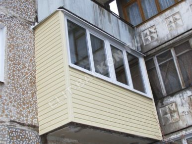 1 vneshnyaya oydelka balkona sajdingom pvh 7 1 387x291 - Внешняя отделка балконов и лоджий в Москве