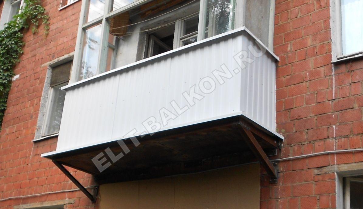 13 vneshnyaya otdelka balkona lodzhii profnastilom - Внешняя отделка балконов и лоджий в Москве