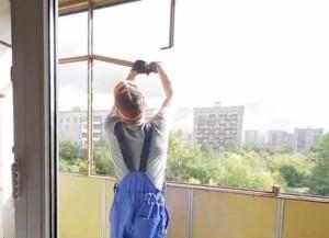 Демонтаж балкона и остекления
