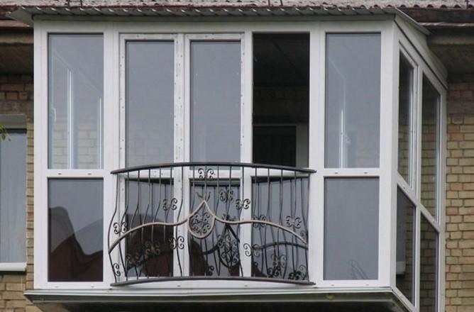 Французское остекление балкона