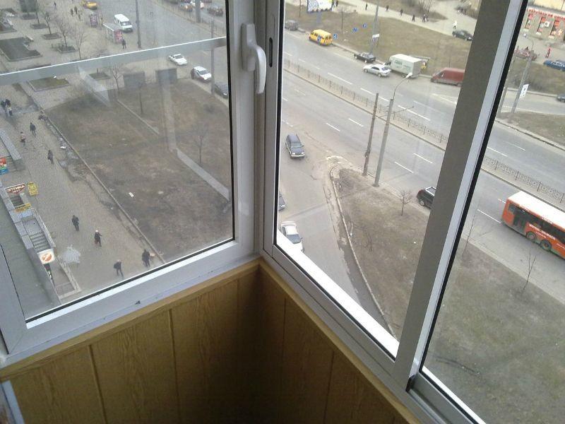 Холодное остекление лоджий и балконов, цена на холодное осте.