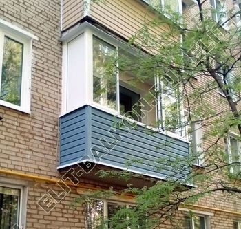 osteklenie balkona aljuminiem otdelka sajdingom 387x291 - Фото остекления балконов и лоджий в Москве - Балконы алюминий