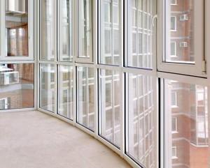 panoramnoe osteklenie 8 300x241 - Панорамное остекление балкона и лоджии