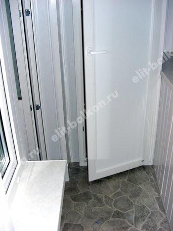 phoca thumb l 1 1 11 250x188 - ПВХ распашной шкаф на балкон
