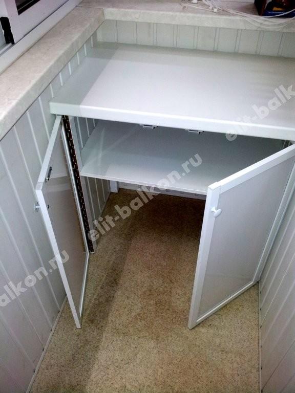 Шкаф на балкон распашной из поликарбоната