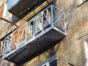 Укрепление балкона. Фото одного балкона