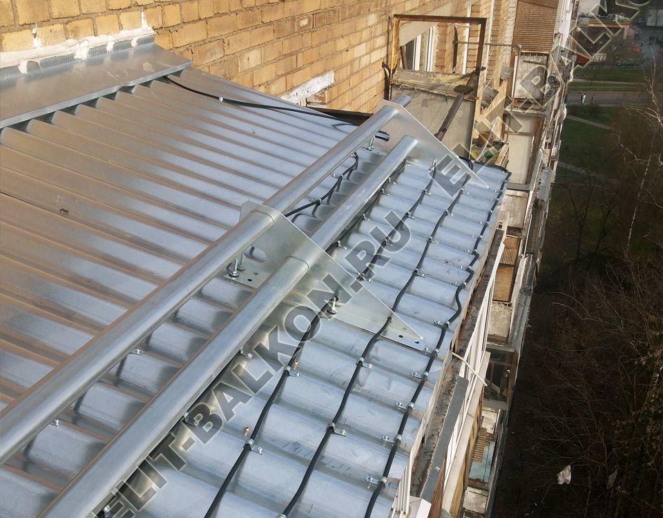 roof 23 - Фото крыши на балкон последнего этажа в Москве - Крыша на балкон