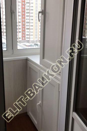 shkaf na balkone 7 387x291 - ПВХ распашной шкаф на балкон