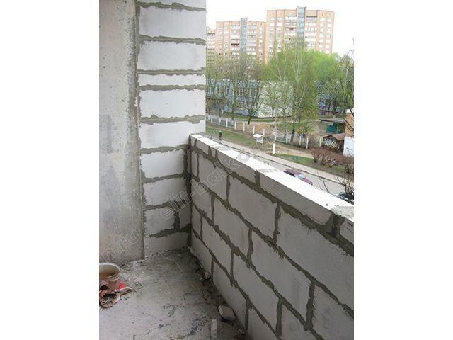 Укрепление парапета балкона