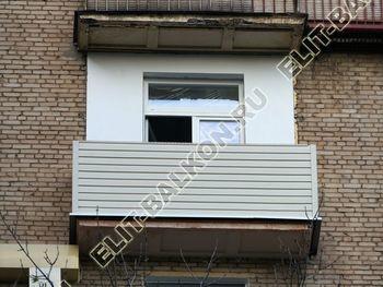 ukreplenie balkona novyj parapet vneshnjaja otdelka 9 1 387x291 - Внешняя отделка балкона сайдингом и профнастилом