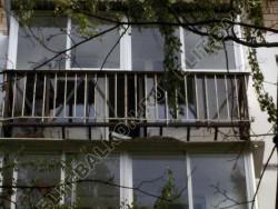 Укрепление балкона с сохранением остекления. Фото одного балкона.