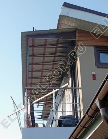krysha na balkone v kottedzhe 13 387x291 - Каркас крыши балкона