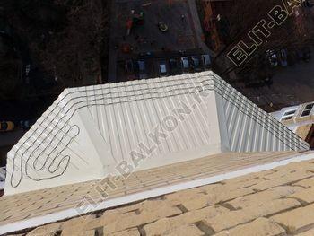 osteklenie balkona PVH s kryshej 49 387x291 - Каркас крыши балкона