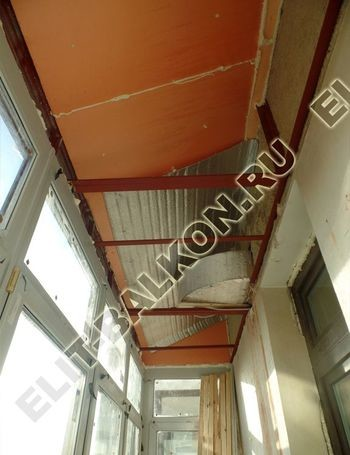 osteklenie balkona ot pola do potolka s vynosom po polu s kryshej 10 387x291 - Каркас крыши балкона