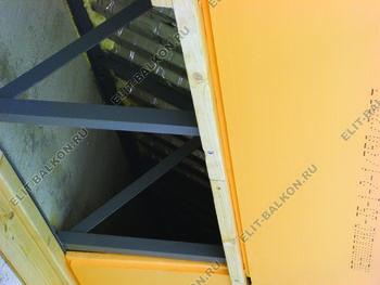 roof 49 387x291 - Каркас крыши балкона