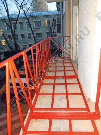 Укрепление парапета балкона. Фото одного балкона