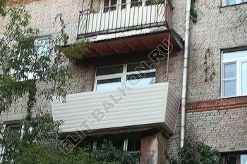 ukreplenie balkona s vynosom i falshkrovlja11 387x291 - Каркас крыши балкона