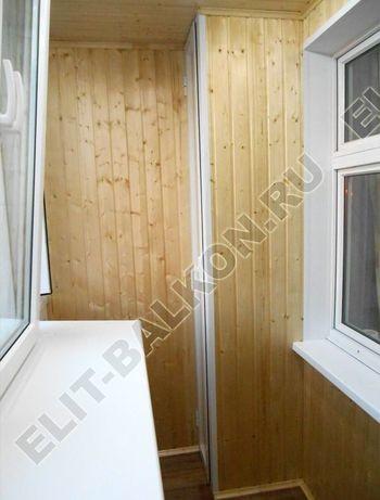 shkaf razdvizhnoj na balkon 28 387x291 - Внутренняя отделка балкона деревом