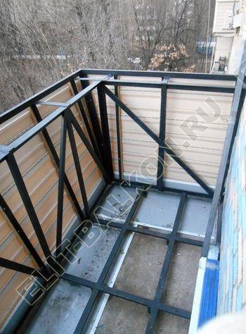 vin 12 250x188 - Вынос балкона по полу и по парапету. Фото одного балкона.