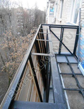 vin 13 250x188 - Вынос балкона по полу и по парапету. Фото одного балкона.