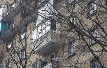 Вынос балкона по полу и по парапету. Фото одного балкона.