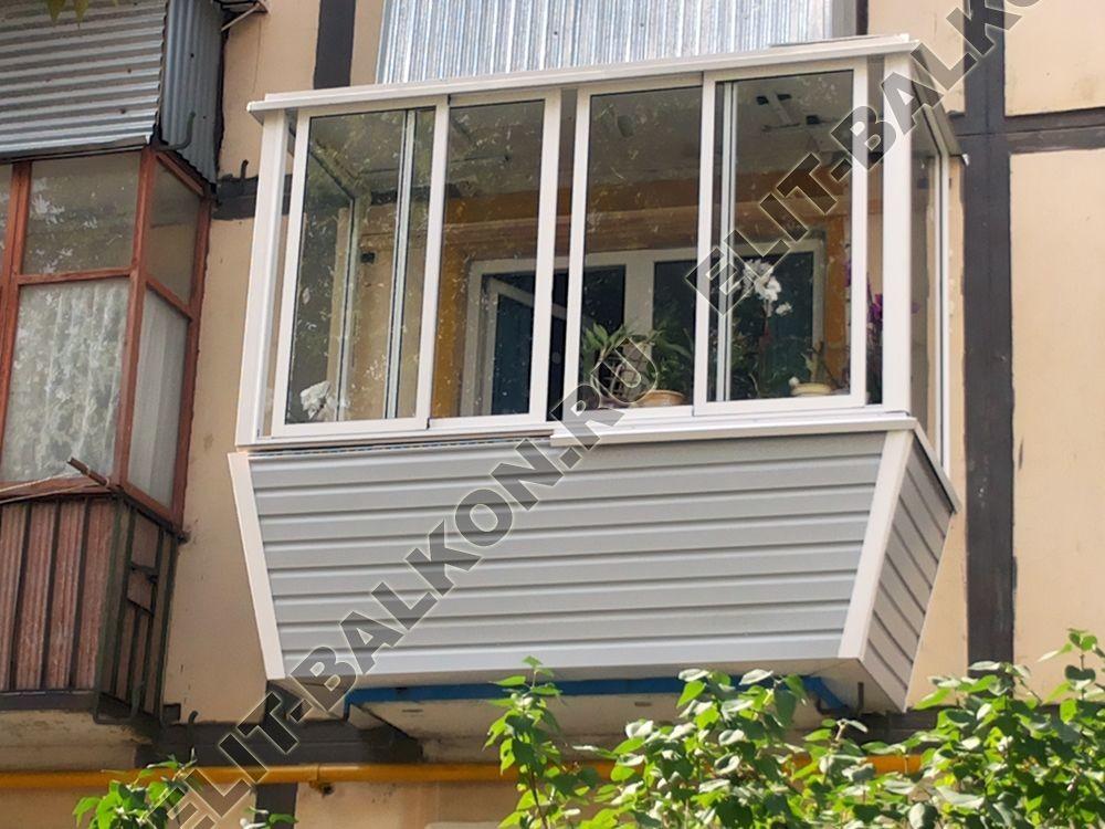 Фото монтажа одного балкона