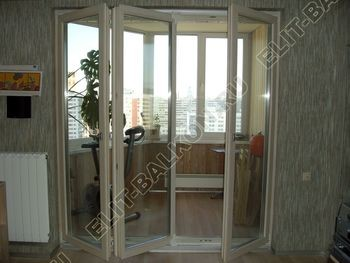 balkon 26 387x291 - Фото пластикового балконного блока в Москве