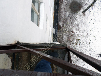 ukreplenie parapeta balkona2 387x291 - Укрепление балконного парапета под остекление ПВХ. ул. Черкизовская