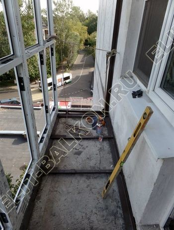 okna elinbalkon105 387x291 - Фото остекления одного балкона № 12