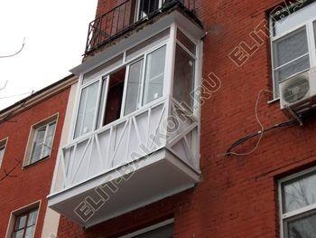Укрепление балконной плиты и парапета. Фото одного балкона. Ул. Большая Почтовая 16