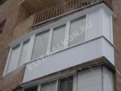 10 vneshnyaya otdelka balkona lodzhii profnastilom 387x291 - Обшивка балкона профнастилом