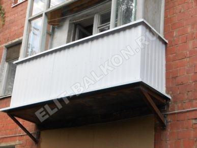 13 vneshnyaya otdelka balkona lodzhii profnastilom 387x291 - Обшивка балкона профнастилом