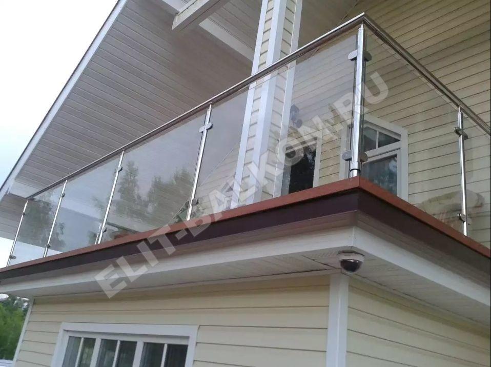 Обшивка балкона поликарбонатом