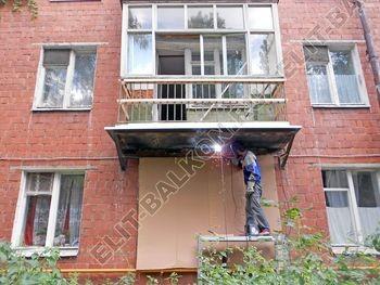 ukreplenie balkona elinbalkon98 387x291 - Фото остекления одного балкона № 19