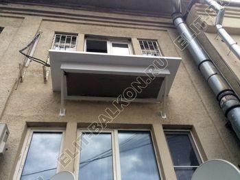 Фото остекления одного балкона № 22