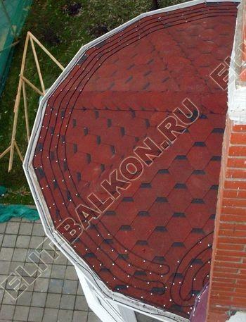 Krysha na balkone iz ondulina11 387x291 - Фото остекления одного балкона № 23