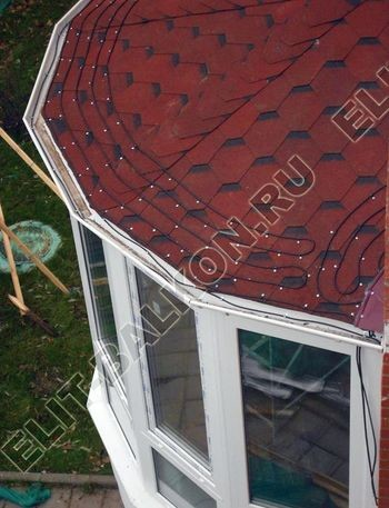 Krysha na balkone iz ondulina12 387x291 - Фото остекления одного балкона № 23