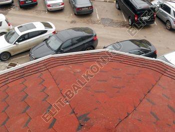 Krysha na balkone iz ondulina8 387x291 - Фото остекления одного балкона № 23
