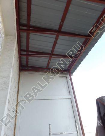 Krysha na balkone falshkrovlya 5 387x291 - Фото остекления одного балкона № 24