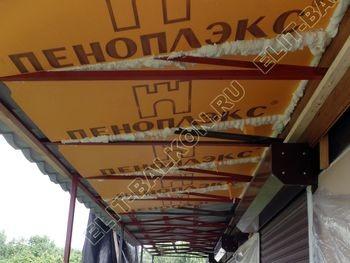 krysha na balkone v kottedzhe 16 387x291 - Фото остекления одного балкона № 25
