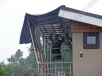 krysha na balkone v kottedzhe 4 387x291 - Фото остекления одного балкона № 25