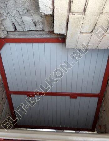 osteklenie balkona PVH s kryshej 11 387x291 - Фото остекления одного балкона № 27