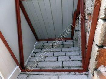 osteklenie balkona PVH s kryshej 27 387x291 - Фото остекления одного балкона № 27