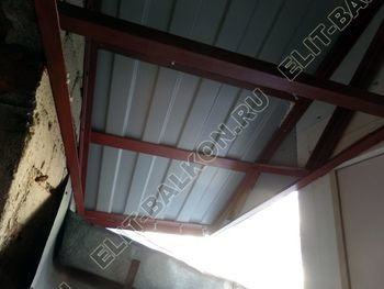 osteklenie balkona PVH s kryshej 28 387x291 - Фото остекления одного балкона № 27
