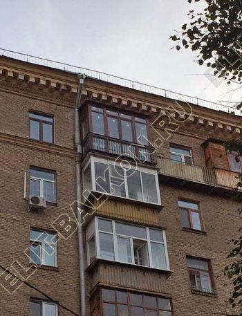 osteklenie balkona ot pola do potolka i kovanaja reshetka 16 387x291 - Фото остекления одного балкона № 26