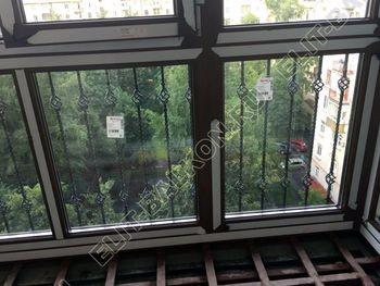 osteklenie balkona ot pola do potolka i kovanaja reshetka 3 387x291 - Фото остекления одного балкона № 26