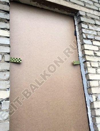 osteklenie balkona ot pola do potolka i kovanaja reshetka 6 387x291 - Фото остекления одного балкона № 26