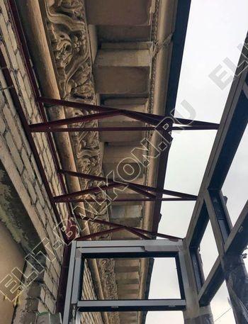 osteklenie balkona ot pola do potolka i kovanaja reshetka 8 387x291 - Фото остекления одного балкона № 26