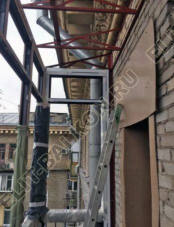 osteklenie balkona ot pola do potolka i kovanaja reshetka 9 387x291 - Фото остекления одного балкона № 26