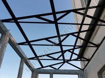 osteklenie otdelka balkona PVH s kryshej 1 387x291 - Фото остекления одного балкона № 31